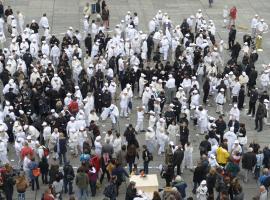 """Die """"musikalische Schweiz"""" auf dem Bundesplatz 29.6.2013"""
